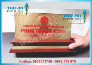 In biển chức danh để bàn giá tốt tại Hà Nội