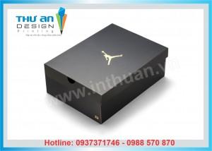 In hộp giấy đựng giày, làm hộp carton đựng giày giá rẻ tại Thanh Xuân